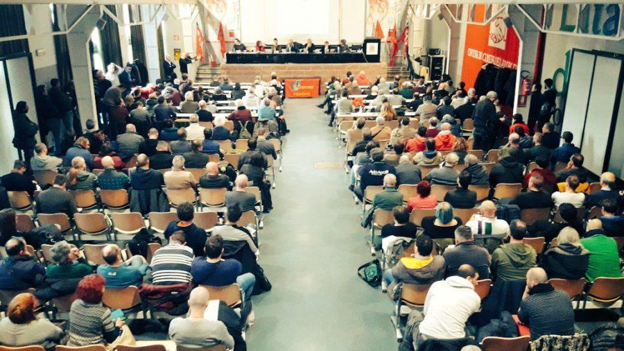 Confronto tra ambientalisti e metalmeccanici nella due giorni organizzata a Torino da Sbilanciamoci! e Fiom Piemonte per ragionare di mobilità sostenibile, di decarbonizzazione, del futuro dell'automobile e del lavoro legato a queste trasformazioni. Un incontro da cui sono scaturite proposte interessanti, con il contributo di esperti universitari e di rappresentanti delle aziende.